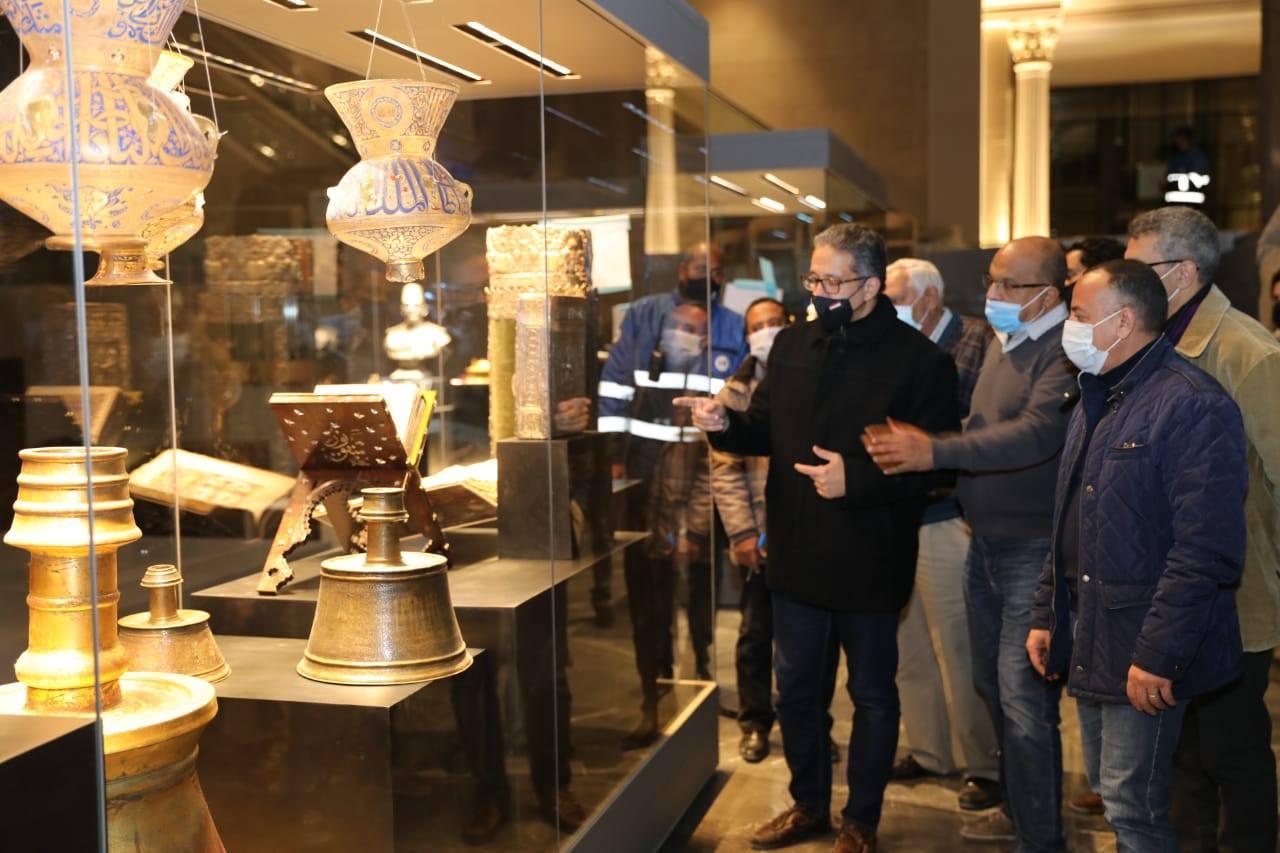 العناني يتفقد اللمسات النهائية لمتحف عواصم مصر تمهيداً لافتتاحه