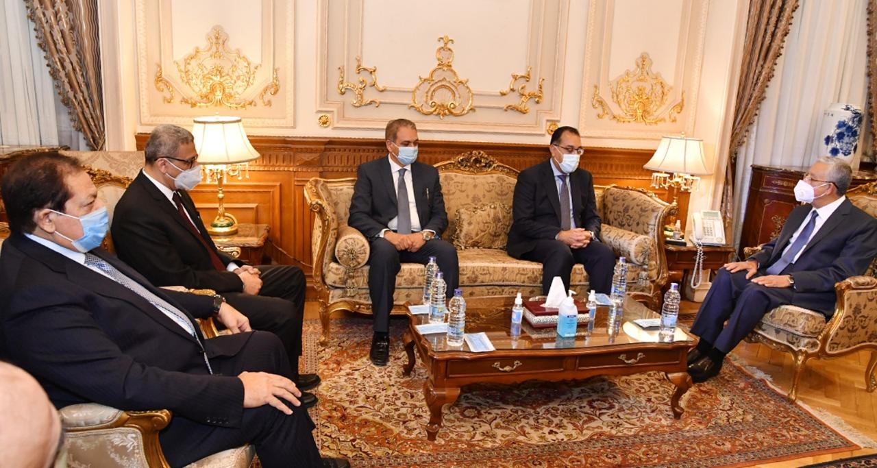 صور| دولة رئيس الوزراء يهنئ المستشار حنفي جبالي رئيس مجلس النواب