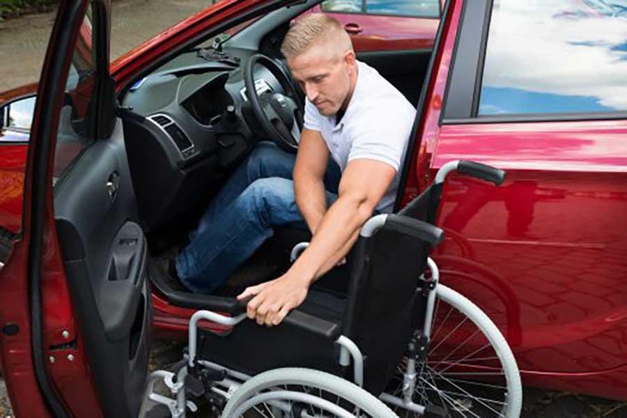 التجارة والصناعة تصدر قرارا بتعديل قواعد استيراد السيارات لذوي الاحتياجات الخاصة