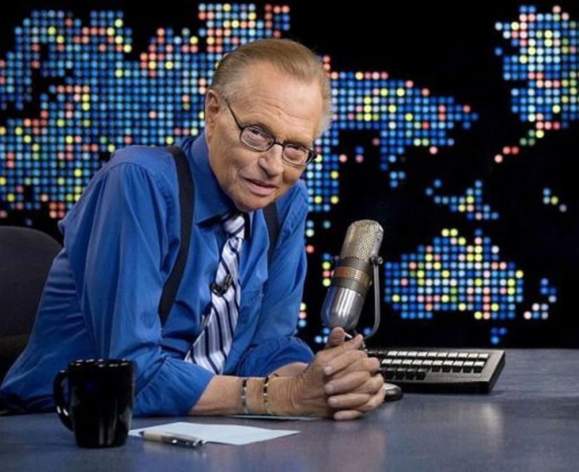 رحيل « لاري كينج » سيد الميكروفون عن 87 عاما