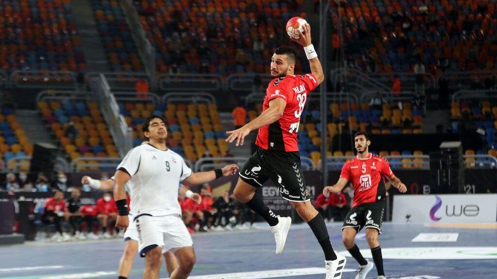 وزير الشباب و الرياضة يهنئ منتخب اليد بالفوز على تشيلي في افتتاح المونديال