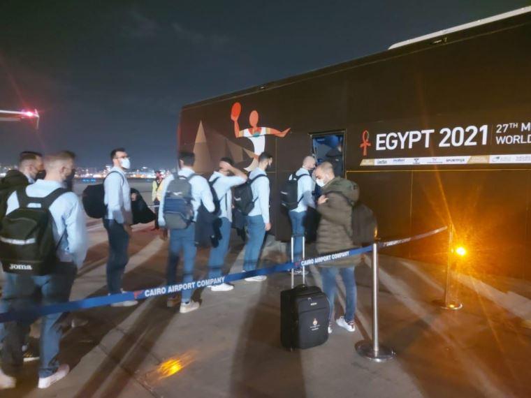 صور  منتخبات هولندا وإسبانيا والبرازيل لكرة اليد تصل مطار القاهرة الدولي