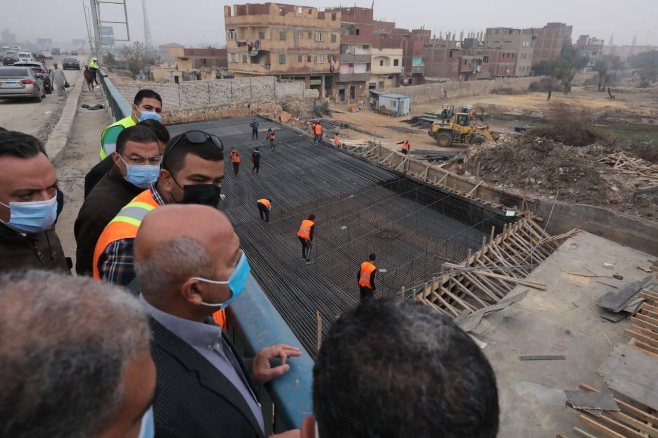 صور   وزير النقل يتابع أعمال التطوير والصيانة للدائري ونقل المرافق المتعارضة مع أعمال التطوير
