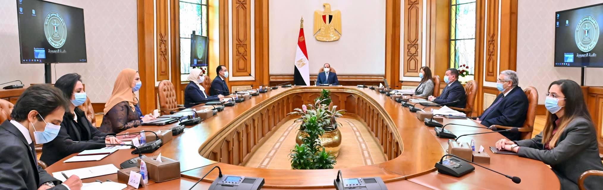 الرئيس السيسي يستعرض المخطط التنفيذي للمشروع القومي لتنمية الأسرة المصرية