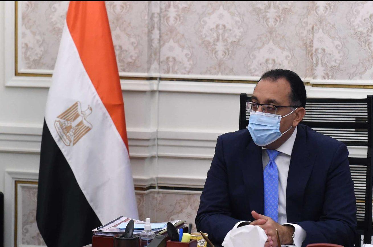 رئيس الوزراء يتابع مع وزيرة الصحة والسكان موقف المشروعات فى محافظتى شمال وجنوب سيناء