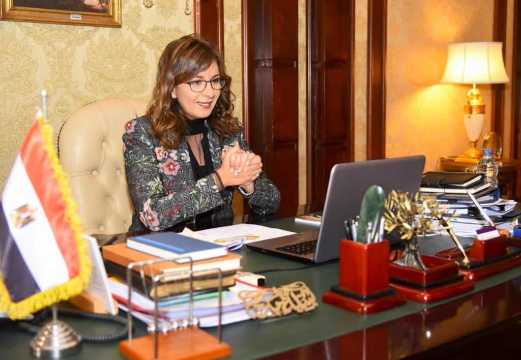 """وزيرة الهجرة تتفق مع مصريي الخارج على إطلاق أغنية مبادرة """"اتكلم عربي"""""""