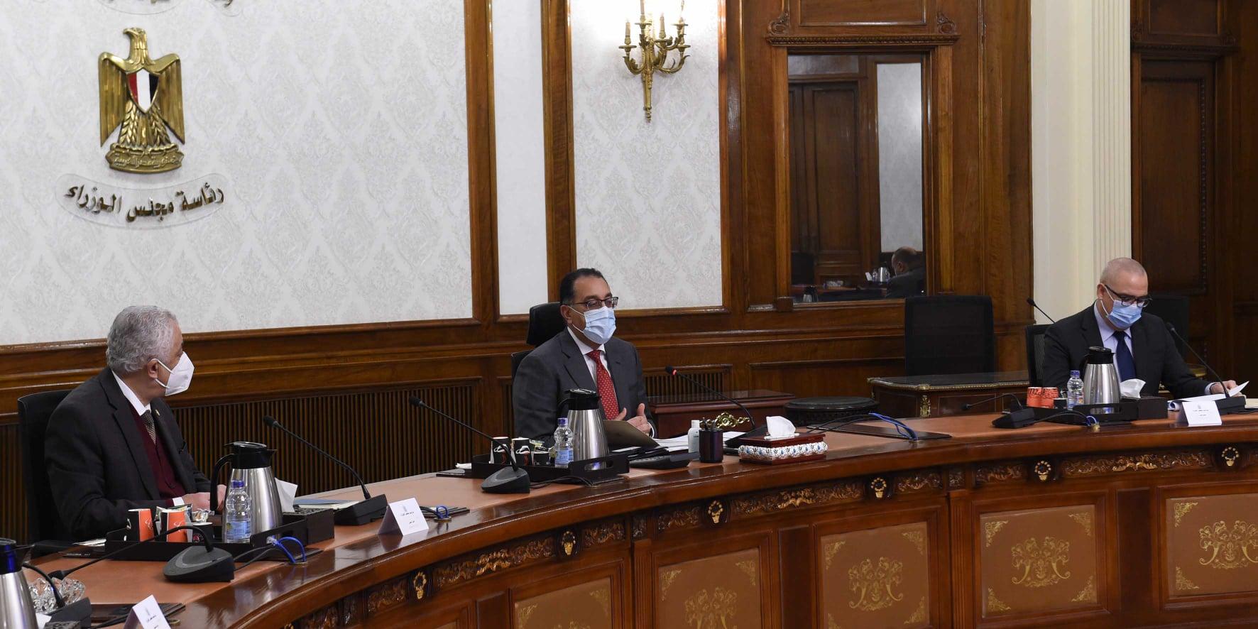 صور | رئيس الوزراء يُتابع موقف تنفيذ مباني مدارس النيل