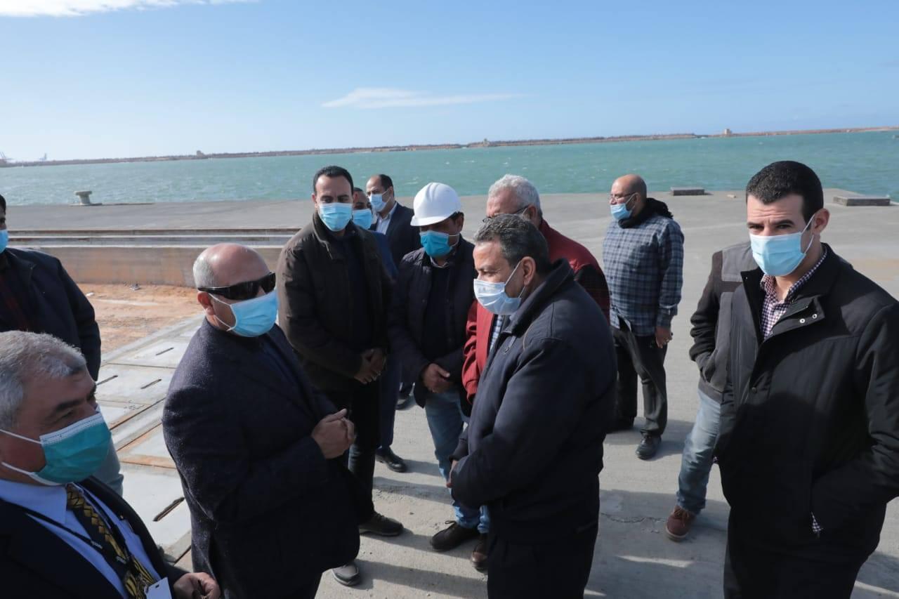صور | وزير النقل يتابع معدلات تنفيذ عدد من المشروعات الخدمية بميناء الإسكندرية
