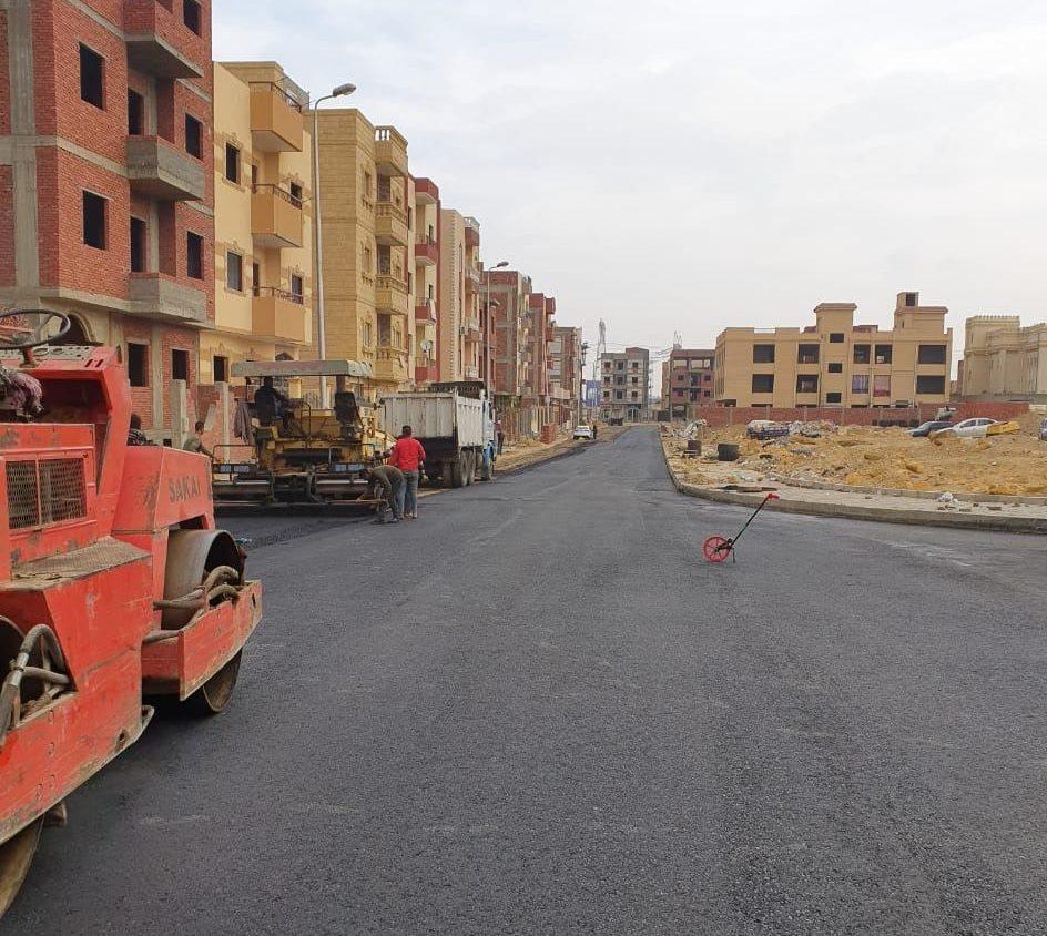 صور | الانتهاء من تنسيق الموقع العام وشبكة طرق ومرافق منطقة الإسكان الاجتماعى بمدينة الشروق