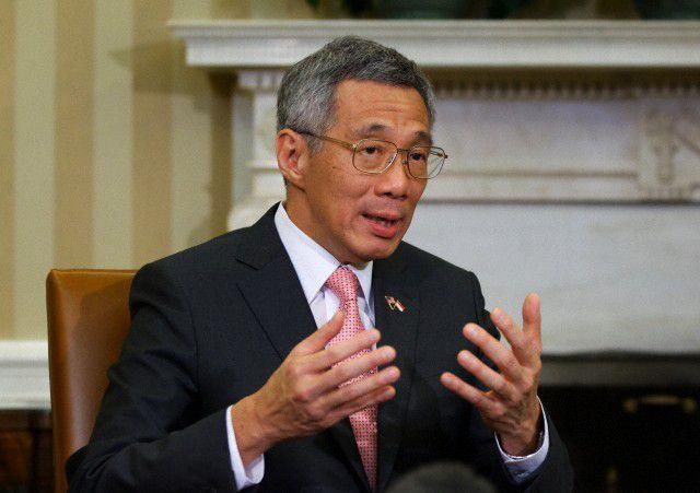 رئيس وزراء سنغافورة يتلقى لقاح كورونا ويحث المواطنين على أخذ التطعيم