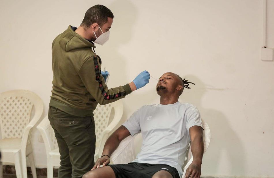 والتر بواليا يجري مسحة طبية قبل الانتظام في تدريب الأهلي