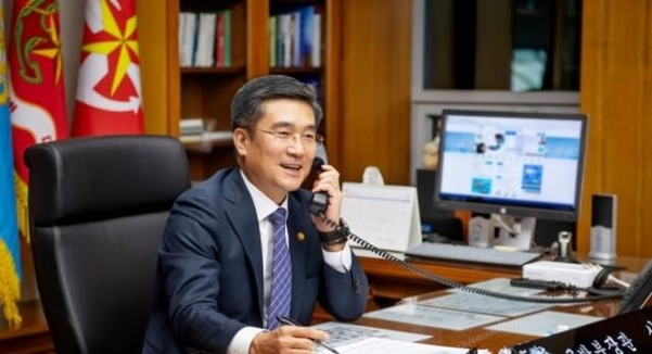 وزير الدفاع الكورى الجنوبى: سول ستجرى تدريبات مشتركة مع أمريكا كما هو مخطط