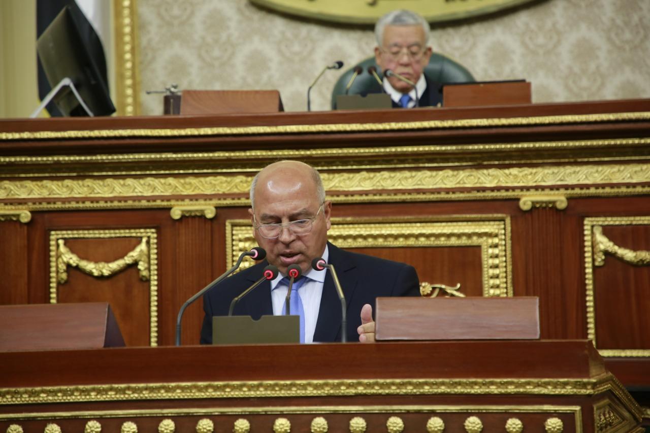 كامل الوزير يلقي بيان وزارة النقل ويستعرض انجازاتها أمام البرلمان