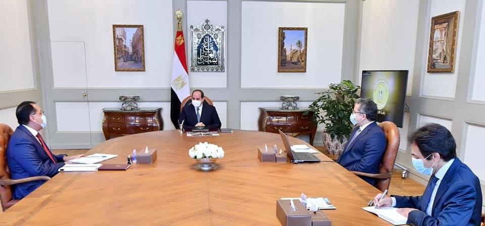 الرئيس السيسي يوجه بمواصلة العمل في المشروعات السياحية والأثرية