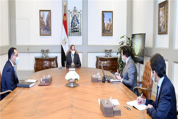 الرئيس السيسي يلتقي مدبولي وعبد الغفار للاطمئنان على سير الامتحانات
