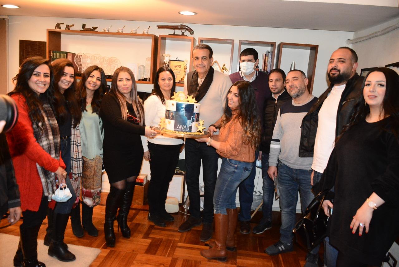 اسامة منير يحتفل بعيد ميلاده-2