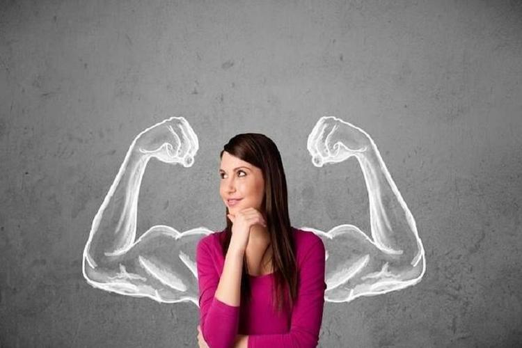 النساء الأقل إحساسا بالألم عند اختبارهن من الأطباء الرجال