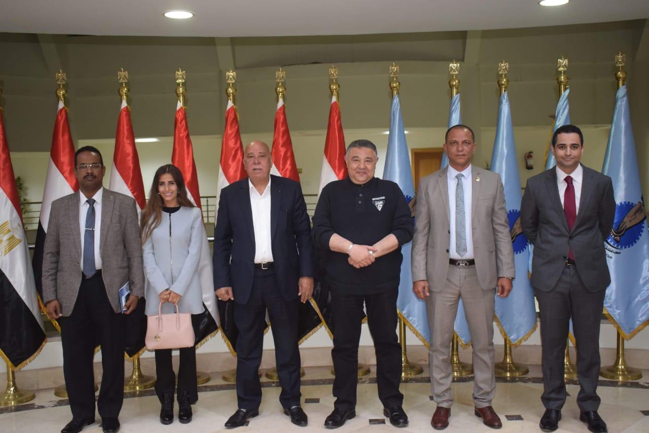 محافظ البحر الأحمر يلتقي أعضاء مجلس النواب لبحث أوجه التعاون ومناقشة طلبات المواطنين