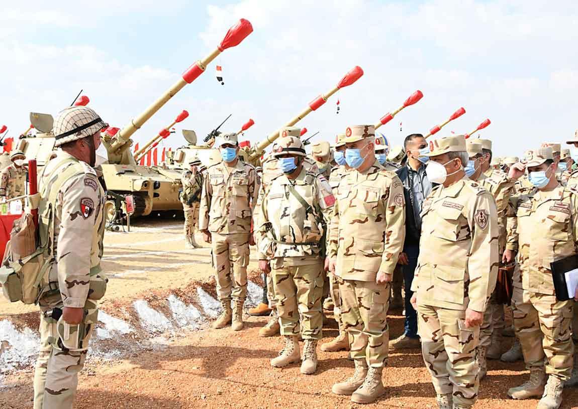 رئيس الأركان يشهد تنفيذ المرحلة الرئيسية للمشروع التعبوي / التخصصى للمدفعية «أحمس 3»