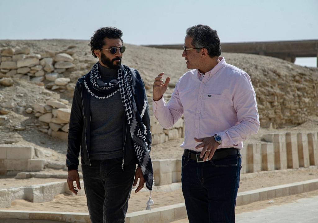 صور| خالد النبوي يصور فيلما ترويجيا عن الحضارة المصرية بعدد من المواقع الأثرية