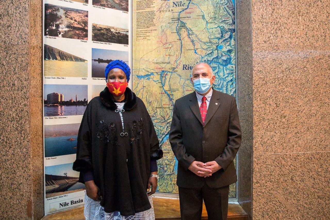 """""""عبد العاطى"""" يستقبل وزيرة الثقافة والمتاحف والتراث بدولة جنوب السودان"""