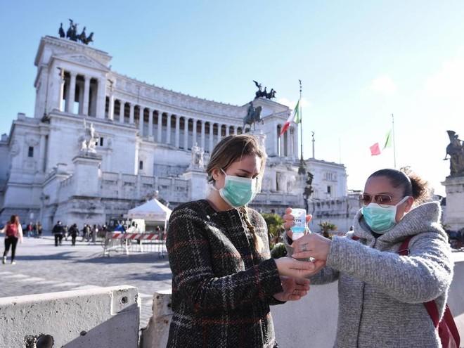 تسجل أكثر من 16 ألف إصابة جديدة بفيروس كورونا في إيطاليا