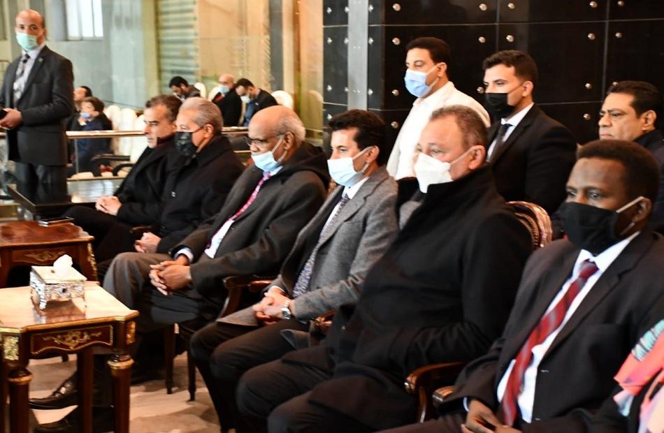 وزير الشباب والرياضة يهنئ الأهلي بعد الفوز علي المريخ السوداني بثلاثية نظيفة
