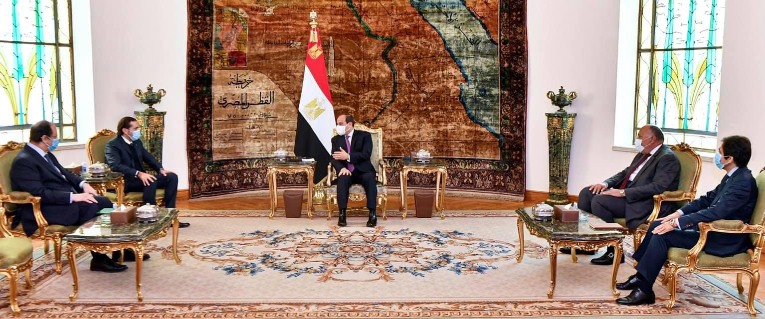 الصحف تبرز لقاء السيسي مع الحريري ومشاركة الأهلي بالمونديال