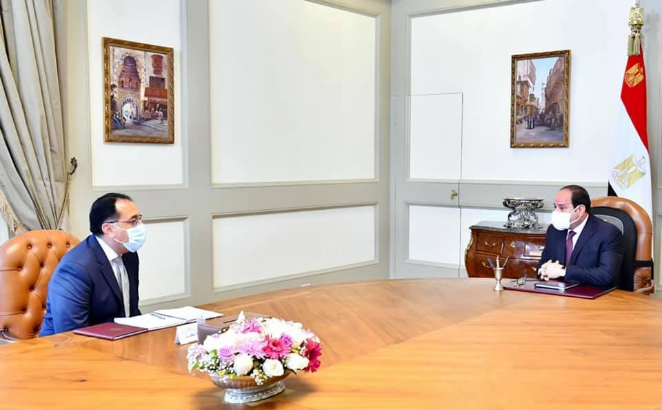 الرئيس السيسي يوجه بزيادة الاعتماد على التصنيع المحلي بمشروع تطوير القرى