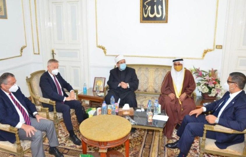 صور | وزير الأوقاف يستقبل رئيس البرلمان العربي ووفدًا رفيع المستوى من البرلمان الدولي