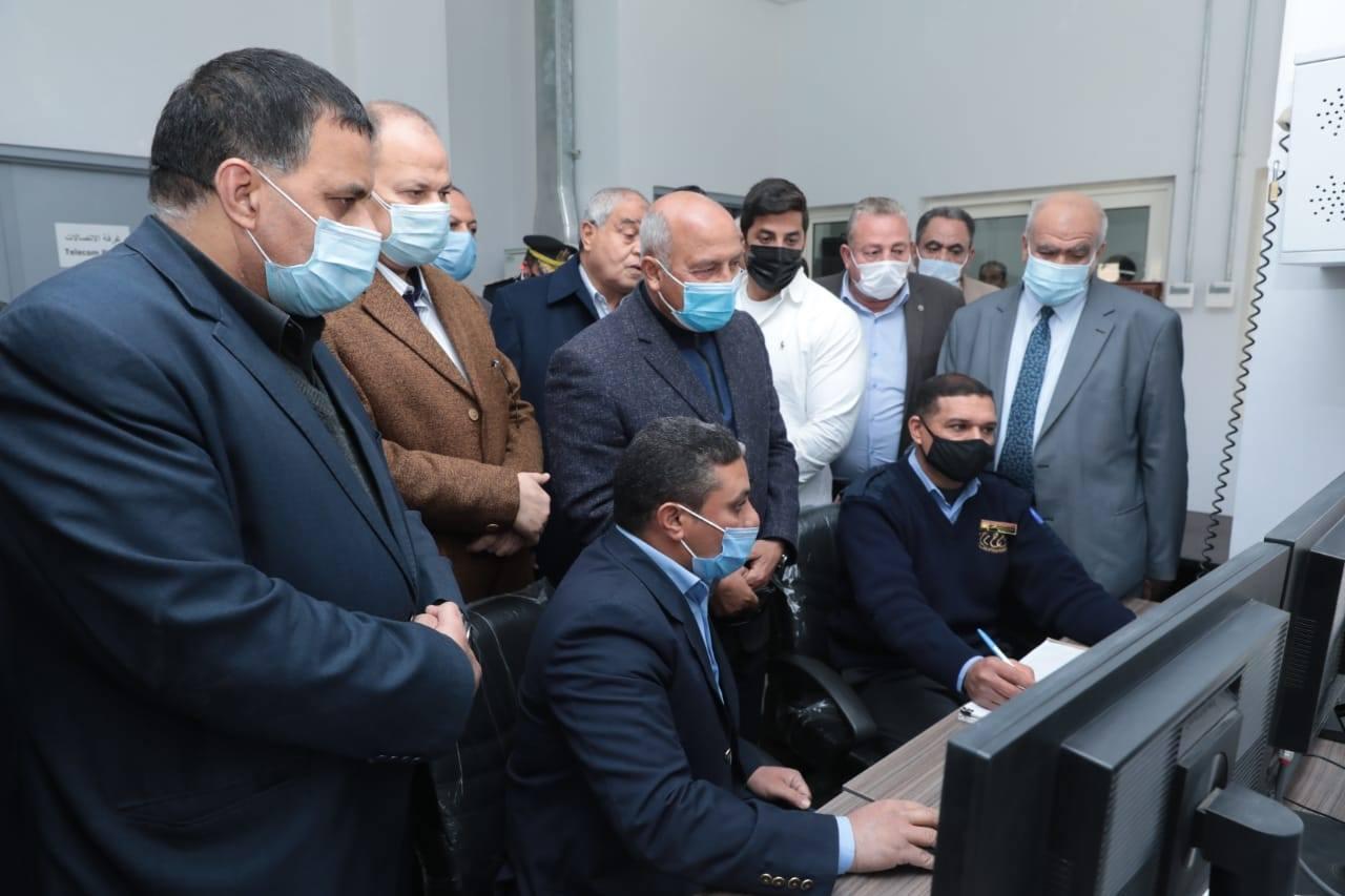 صور | وزير النقل يشهد افتتاح ودخول برج إشارات ديروط والمنطقه الأوتوماتيكية
