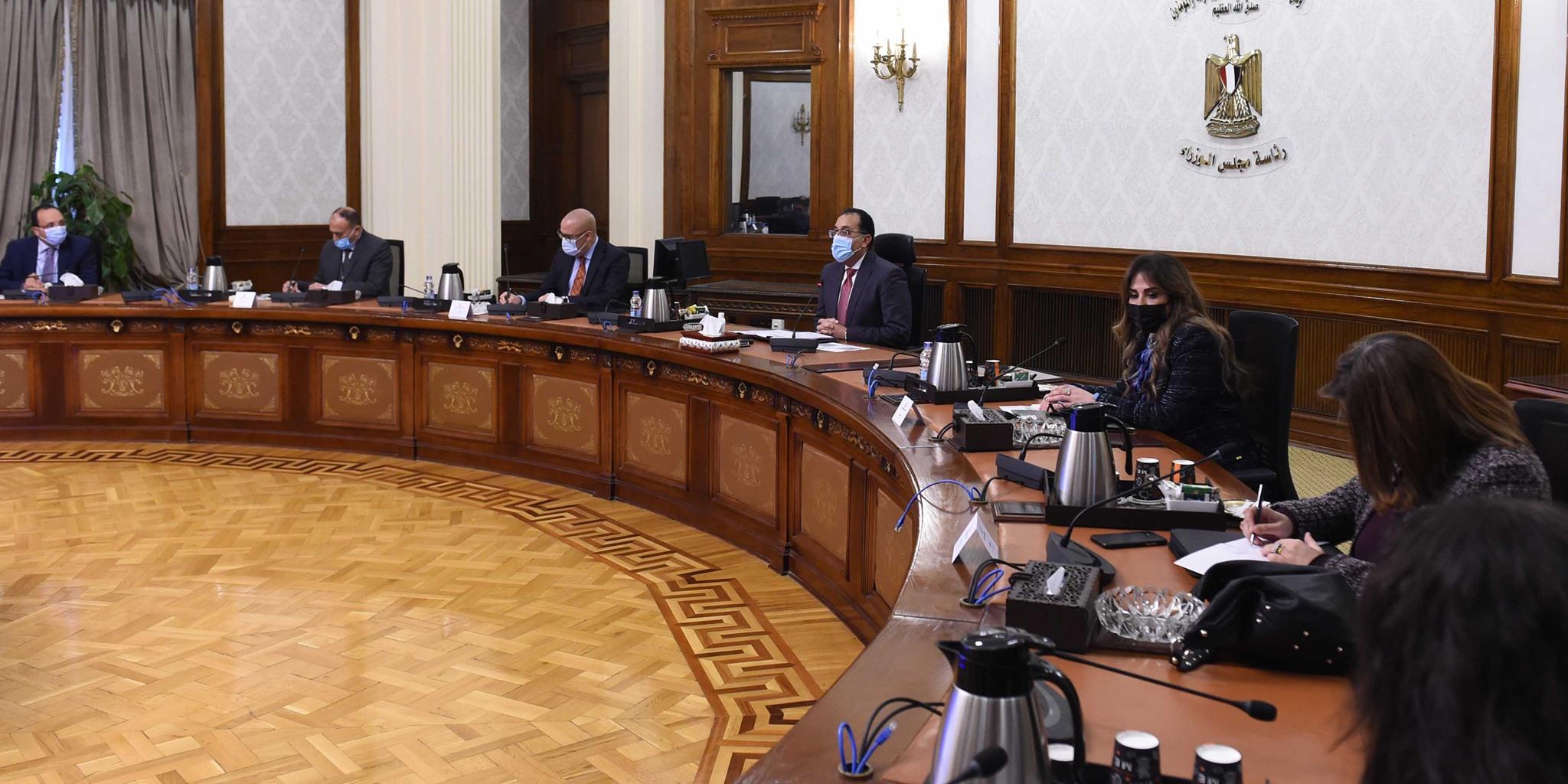 صور | رئيس الوزراء يتابع تنفيذ مبادرة الرئيس «سكن كل المصريين»