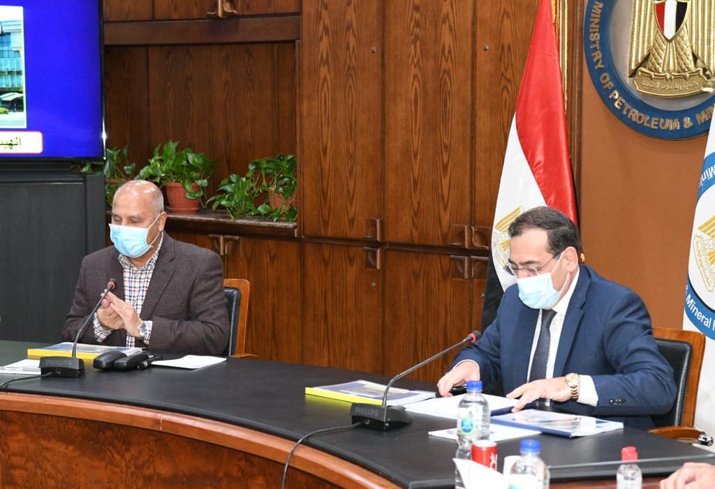 وزيرا البترول والنقل يتفقان على بدء تطوير جونة حوض البترول بميناء الاسكندرية