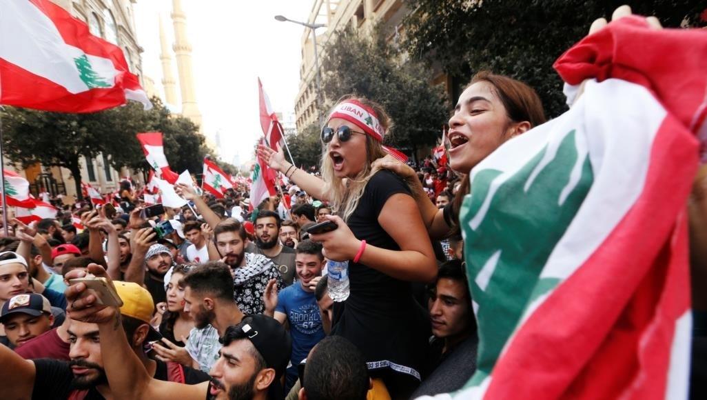 تحركات احتجاجية بسبب تراجع الليرة والتدهور الاقتصادي في لبنان