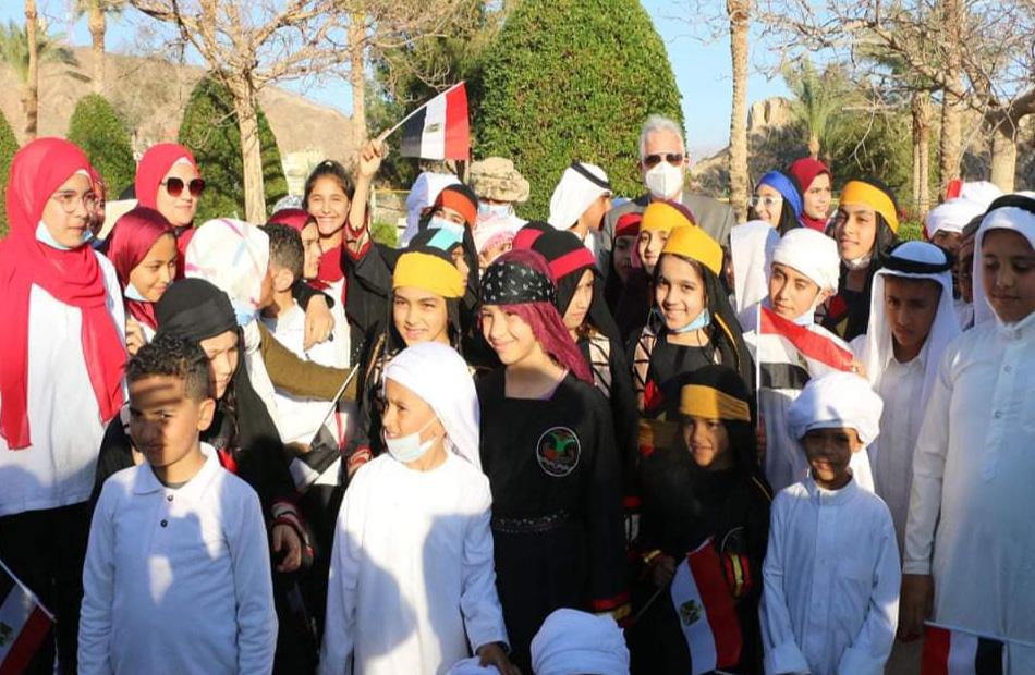 صور| جنوب سيناء تحتفل بعيدها القومي.. والمحافظ يرفع العلم في ذكرى استرداد طابا