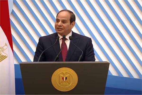 الرئيس السيسي: الأم المصرية هي الأمل في تجاوز الأزمات
