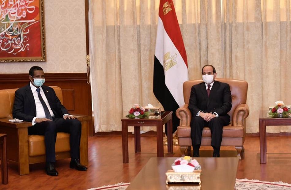صور| تفاصيل لقاء الرئيس السيسي مع نائب رئيس مجلس السيادة الانتقالي السوداني
