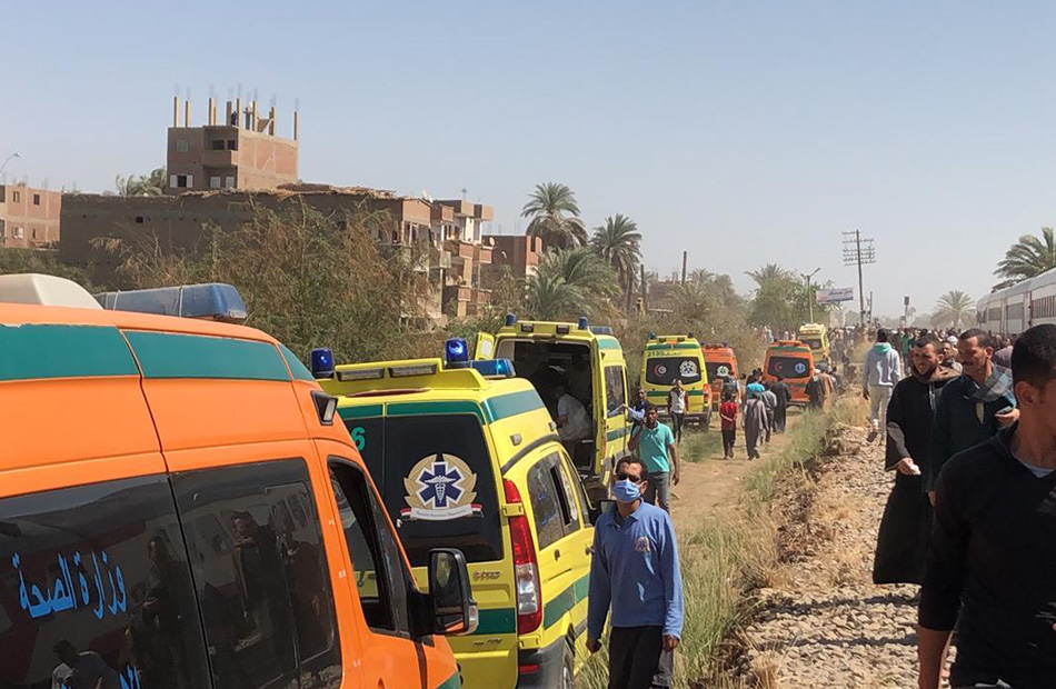 الصحة: ارتفاع المصابين في حادث تصادم قطاري طهطا إلى 108 حالات و32 وفاة