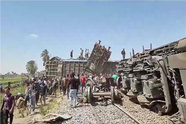 النائب العام يأْمر بحبس ثمانية بحادث تصادم قطاري سوهاج