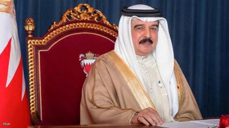 ملك البحرين وولي عهده يعزيان الرئيس السيسي بحادث قطاري سوهاج