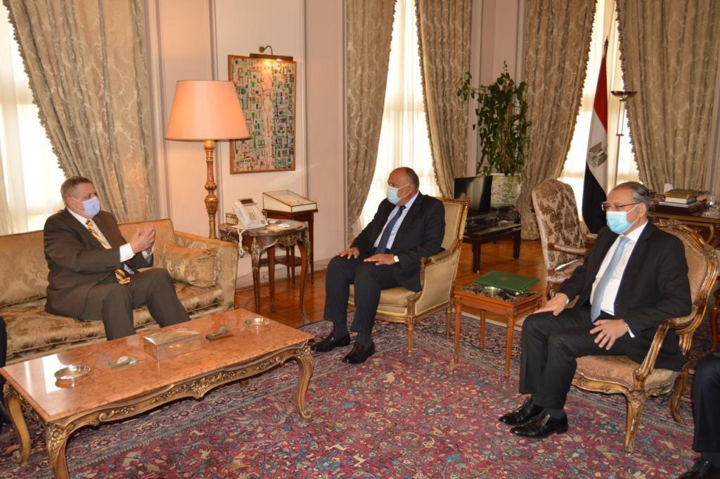 صور| وزير الخارجية يبحث مع المبعوث الأممي تطورات الأزمة الليبية