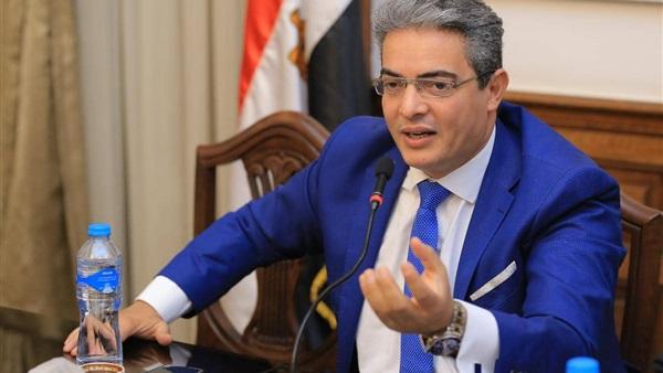 نقيب الإعلاميين ينعى والد النائب محمود مسلم