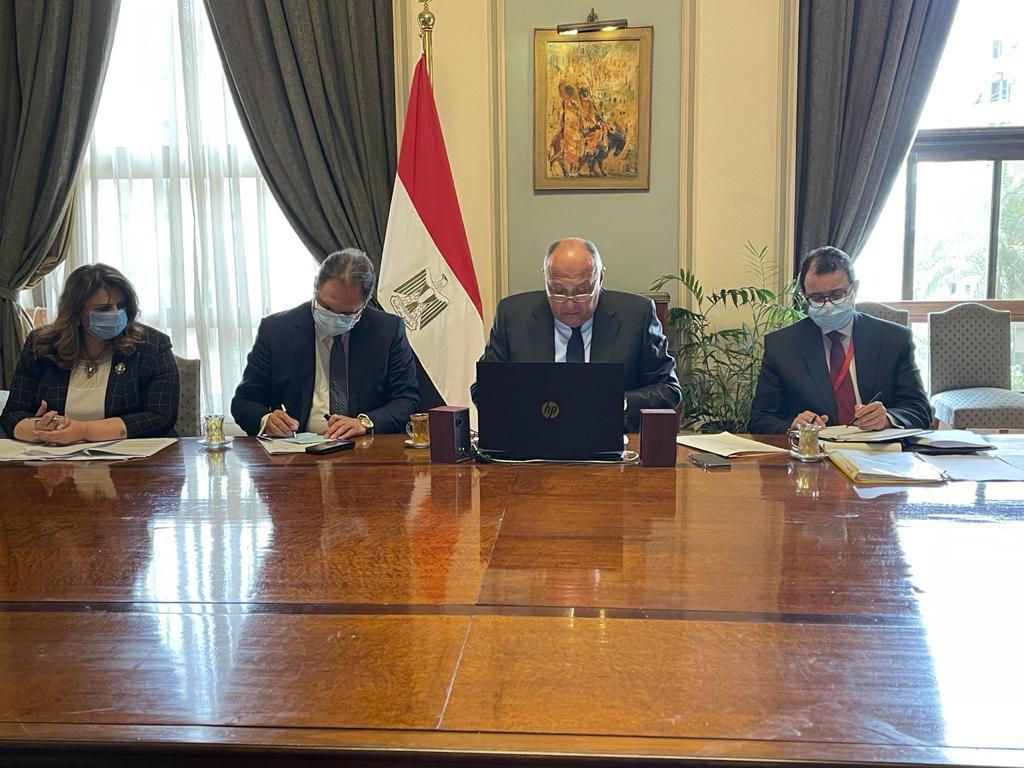 وزير الخارجية يشارك بقمة مجلس السلم والأمن الافريقي.. نيابة عن الرئيس