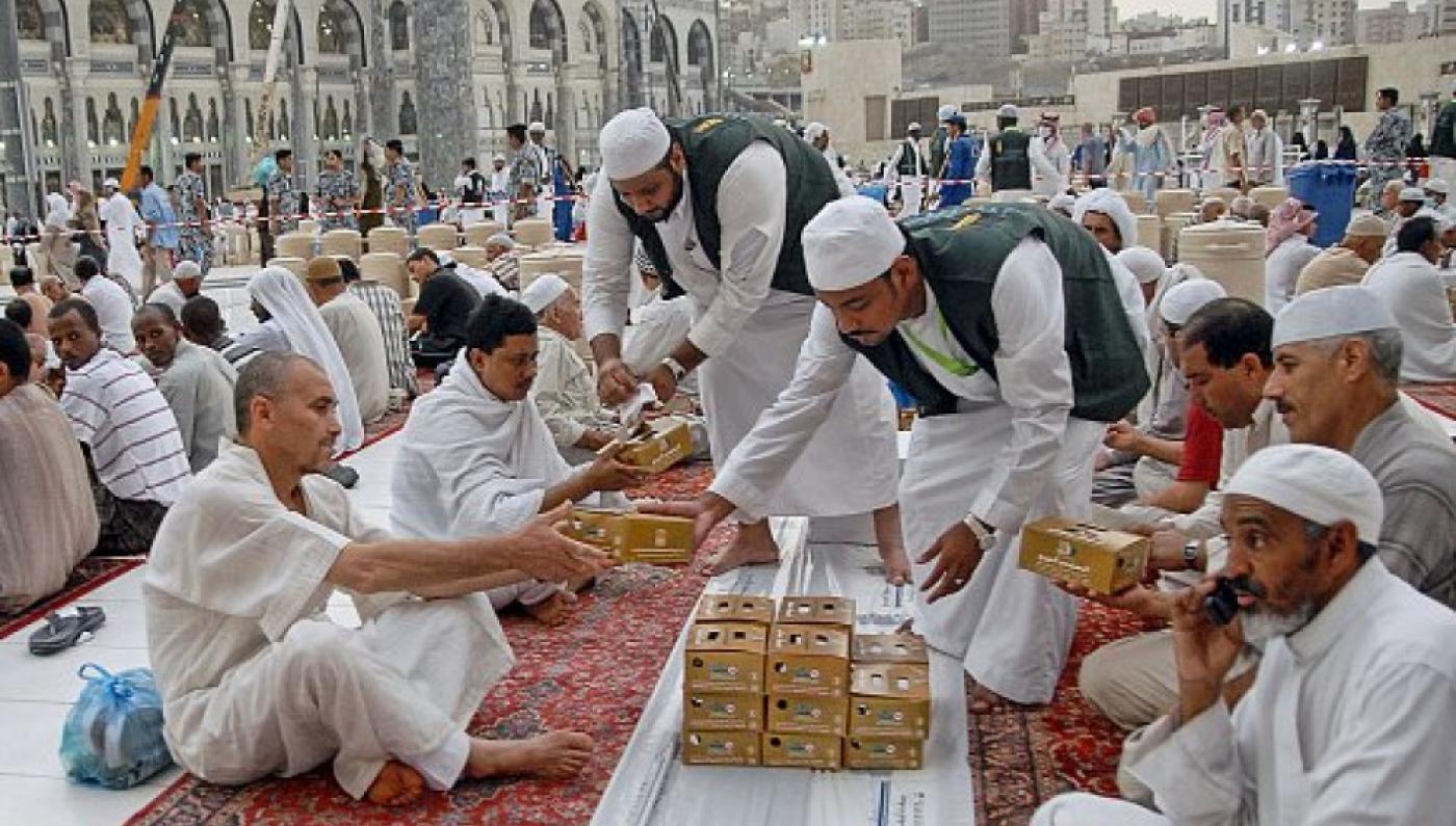 السعودية تعلق الإفطار والاعتكاف بالحرم والمسجد النبوي خلال شهر رمضان