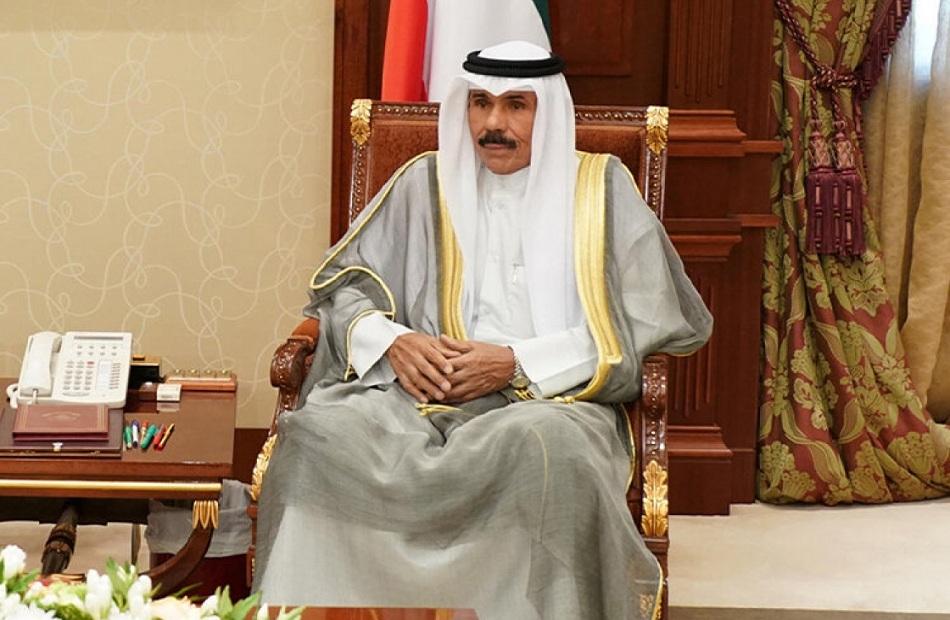 أمير الكويت يعزي الرئيس السيسي في ضحايا حادث تصادم قطاري سوھاج