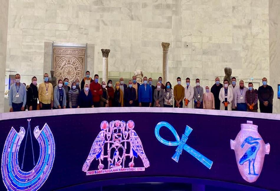 وزير السياحة يتفقد اللمسات النهائية لمتحف الحضارات استعدادا لنقل المومياوات الملكية