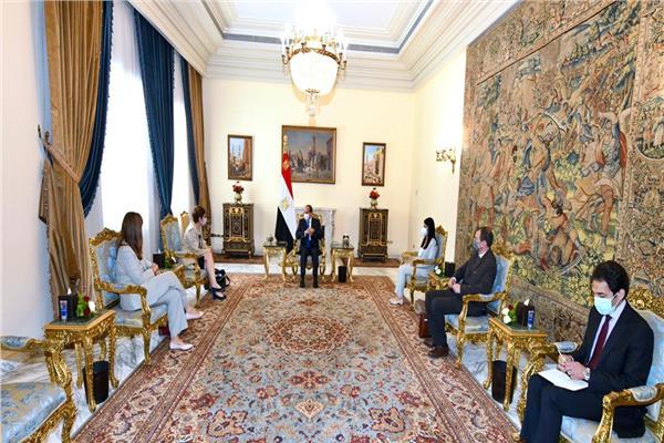 الرئيس السيسي: البنك الاوروبي شريك نجاح لعملية التنمية في مصر