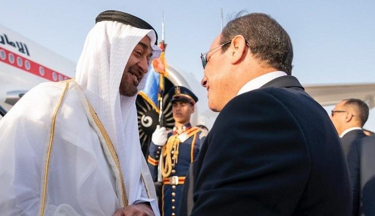 الرئيس السيسي يستقبل محمد بن زايد في مطار القاهرة الدولي