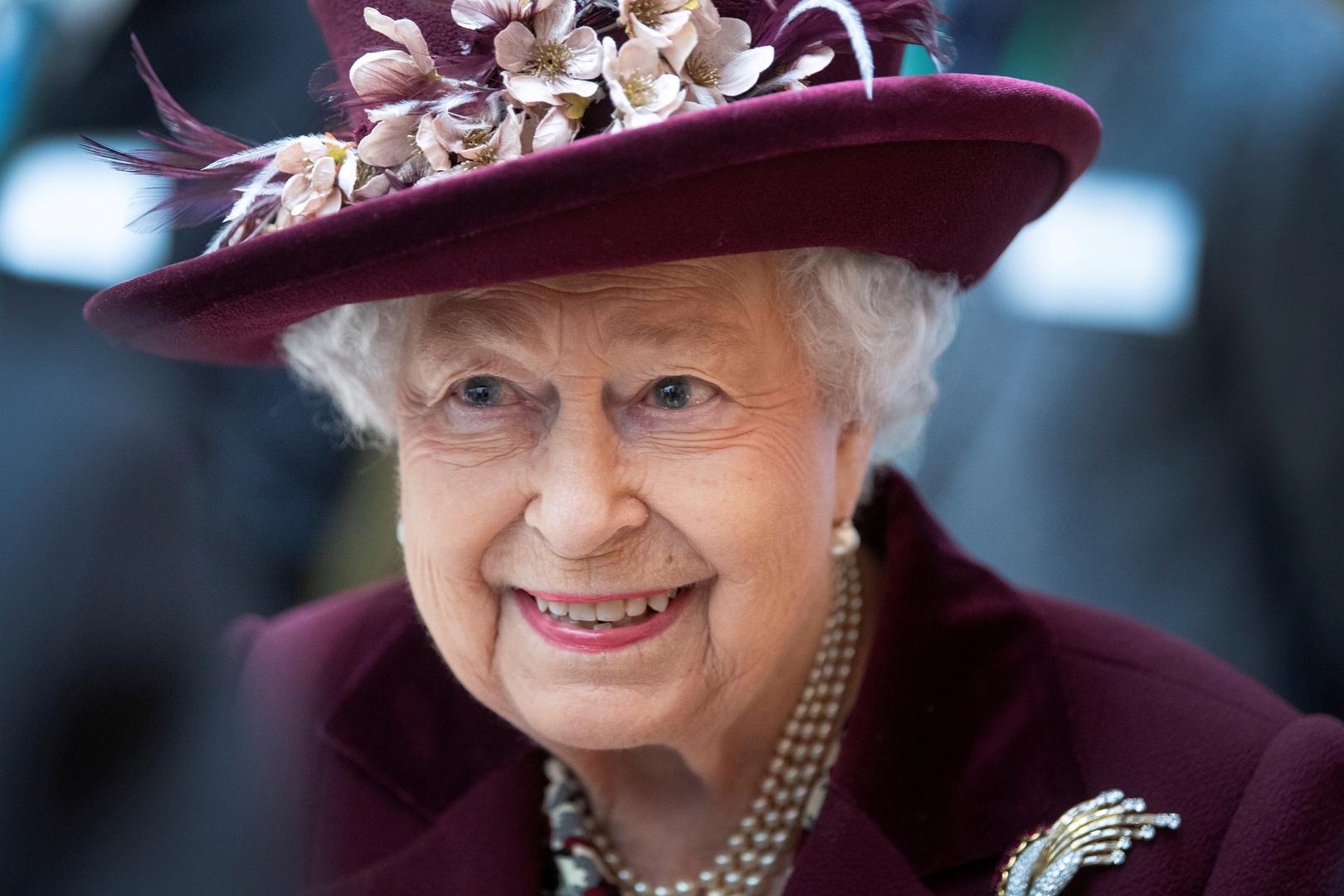 الملكة إليزابيث توجه رسالة إلى الناس في كل أنحاء العالم