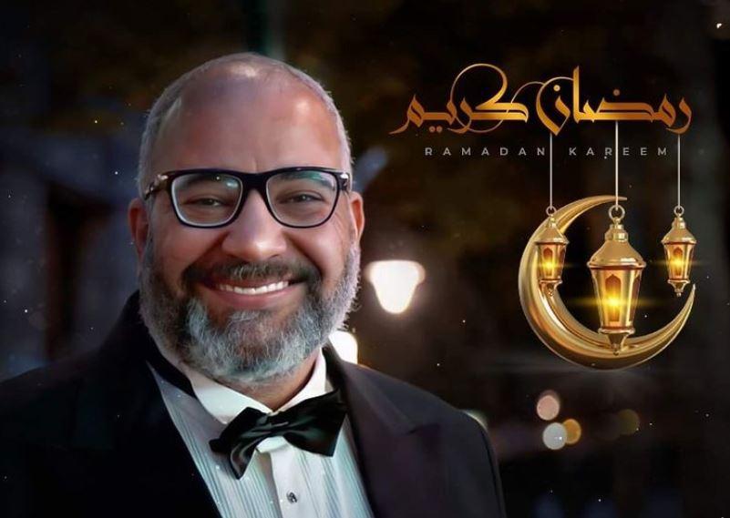 بيومي فؤاد يمازح جمهوره: انتظروني في 20 مسلسلا فقط في رمضان